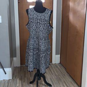Rewind black and white print sweater dress!